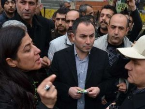 BDPli kadın vekil polise hakaret etti