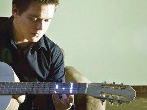TÜBİTAK destekli akıllı gitar