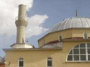 Lodos minareleri uçurdu!