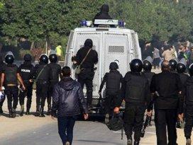Mısırda 37 öğrenciye hapis cezası
