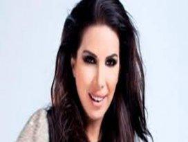 Polisi tehdit eden ünlü şarkıcıya hapis cezası