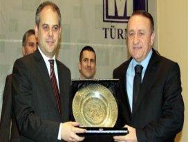 Türkiye hedefine koşuyor