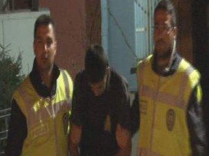 Hırsızlık şüphelisi polisten kaçamadı