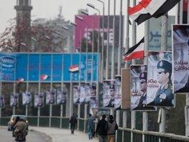 Mısırda hükümet istifa etti