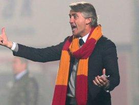 Mancini çıldırdı: Neden devam etmiyorsun