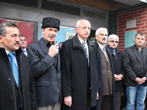 Kırım Türklerine yapılan zulüm protesto edildi
