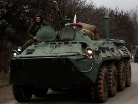 Rus tankları Akmescit yolunda