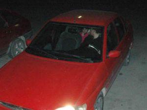Hırsız otomobili de çocuğu da çaldı
