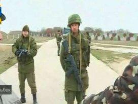 Ruslar 300 Ukraynalı askere ateş açtı!