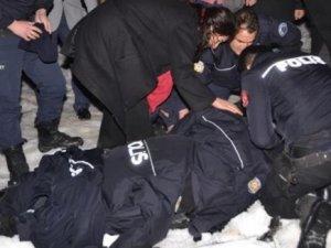 AK Parti konvoyunda kaza: 7 yaralı