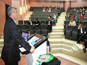 Gönüllü polisten uyuşturucu konferansı