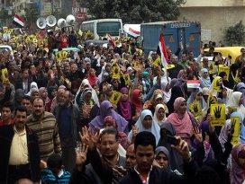 Mısırda cuma gösterileri sürüyor