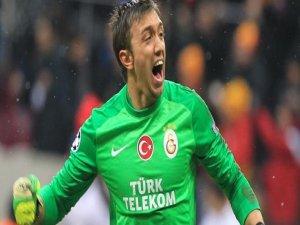 Galatasarayda Muslera şoku!