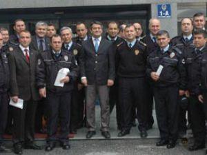 Başarılı polisler ödüllendirildi