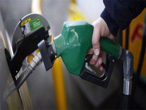 Benzin fiyatları ucuzluyor