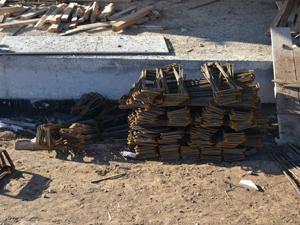 Kuluda inşaattan demir hırsızlığı