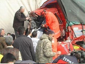 Konya-Ereğli de 4 araç birbirine girdi
