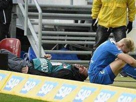 Futbolcu az kalsın kameramanı öldürüyordu