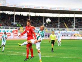 Torku Konyasporda kırmızı alarm; 0-1