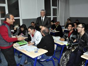 Kaymakam Sonelden engelli kursiyerlere ziyaret