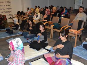 Gebelik Okulunda nefes terapisi ve yoga