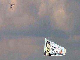 Ankara semalarında ilginç pankart