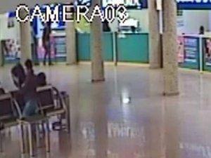 Çanta çalan şüpheli güvenlik kamerasında