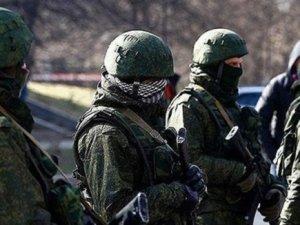 Ruslar Ukrayna hava üssüne girdi