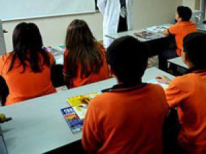 Karma okullar daha başarısız