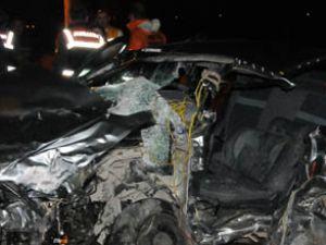 Konyada otomobil kamyonet çarpıştı 1 ölü