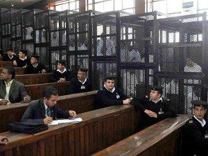 Mısırda darbe karşıtı 529 kişiye idam cezası