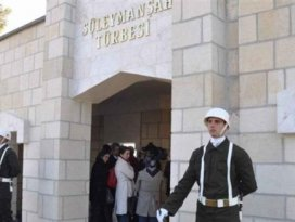 Türk bayrakları indirildi iddiası