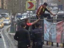 İstanbulun göbeğinde bıçaklı saldırgan dehşeti