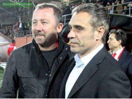 Süper Ligde bir hocayla daha yollar ayrıldı!