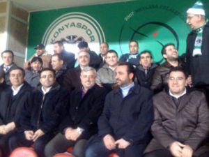 MÜSİAD yönetimi Konyaspora tribünde destek verdi