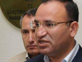 Bozdağ: Başbakanın arabasının geri vitesi yok