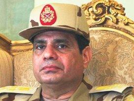 Darbeci Sisi görevinden istifa etti!