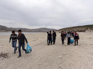 Altınapa Barajında temizlik