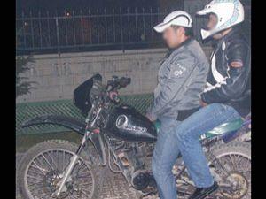 Konya da Kros motorsikletli kapkaçcılar yakayı ele verdi