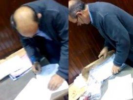 İzmirdeki seçim hilesi kameralara takıldı