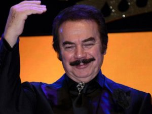 Orhan Babadan Twittera sert eleştiri
