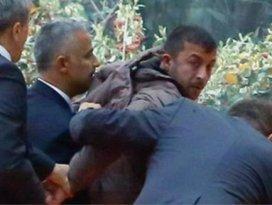 Saldırgan AK Partiden ihraç edildi!