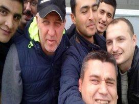 Mesut Bakkal'dan selfie pozu