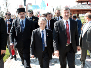 Kırım tatarları lideri Kırımoğlu Konyada