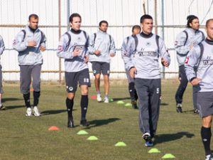 Konyaspor Dolu Dizgin Geliyor