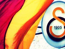 Galatasaray genç yıldıza resmen talip oldu!