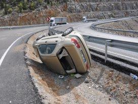 Konyada otomobil devrildi: 2 yaralı