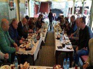 Beşiktaş taraftarı kahvaltıda bir araya geldi
