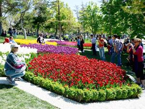 Konyalılar Alaeddin Tepesine akın etti