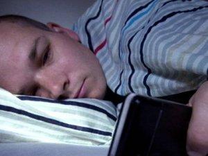 Akıllı telefon sahipleri uyurken denek olabiliyor